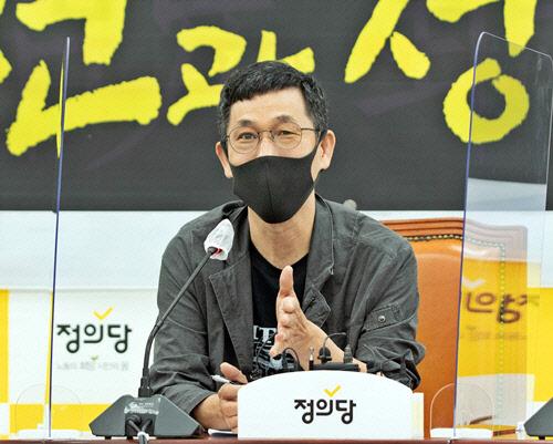 국힘, 대선 경선후보 국민면접관에 진중권 섭외